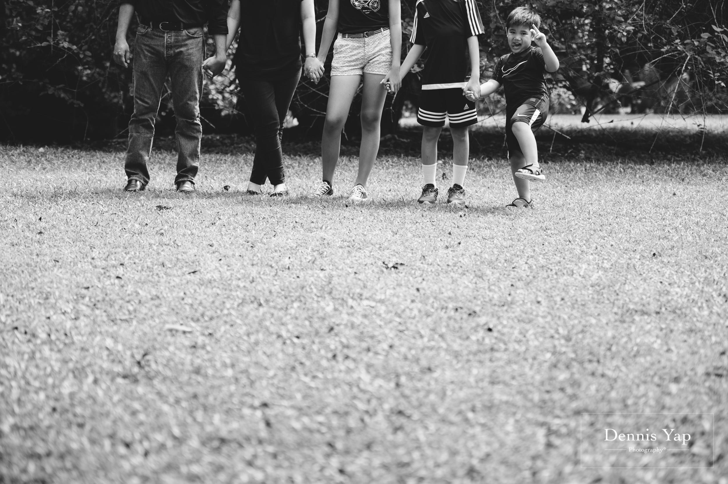 mai yin family portrait singapore botanical garden dennis yap photography malaysia-9.jpg