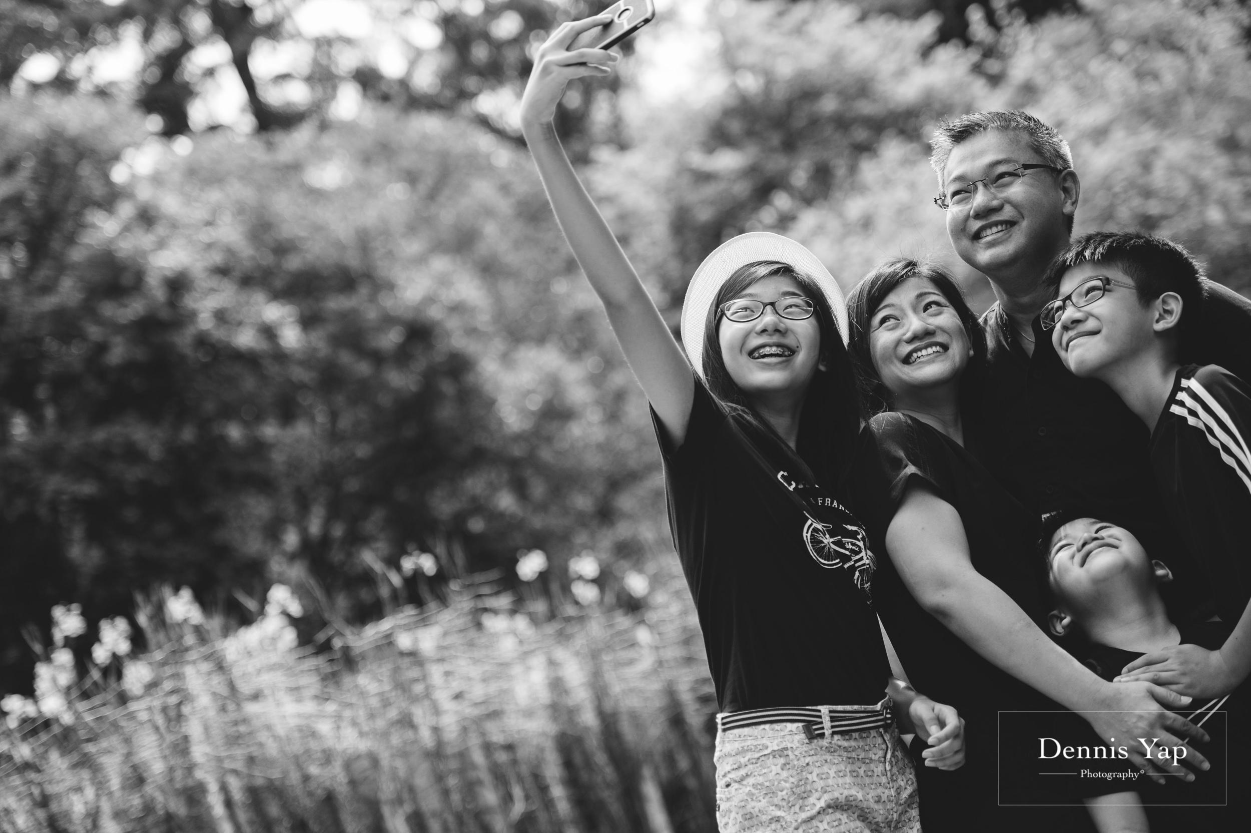 mai yin family portrait singapore botanical garden dennis yap photography malaysia-10.jpg
