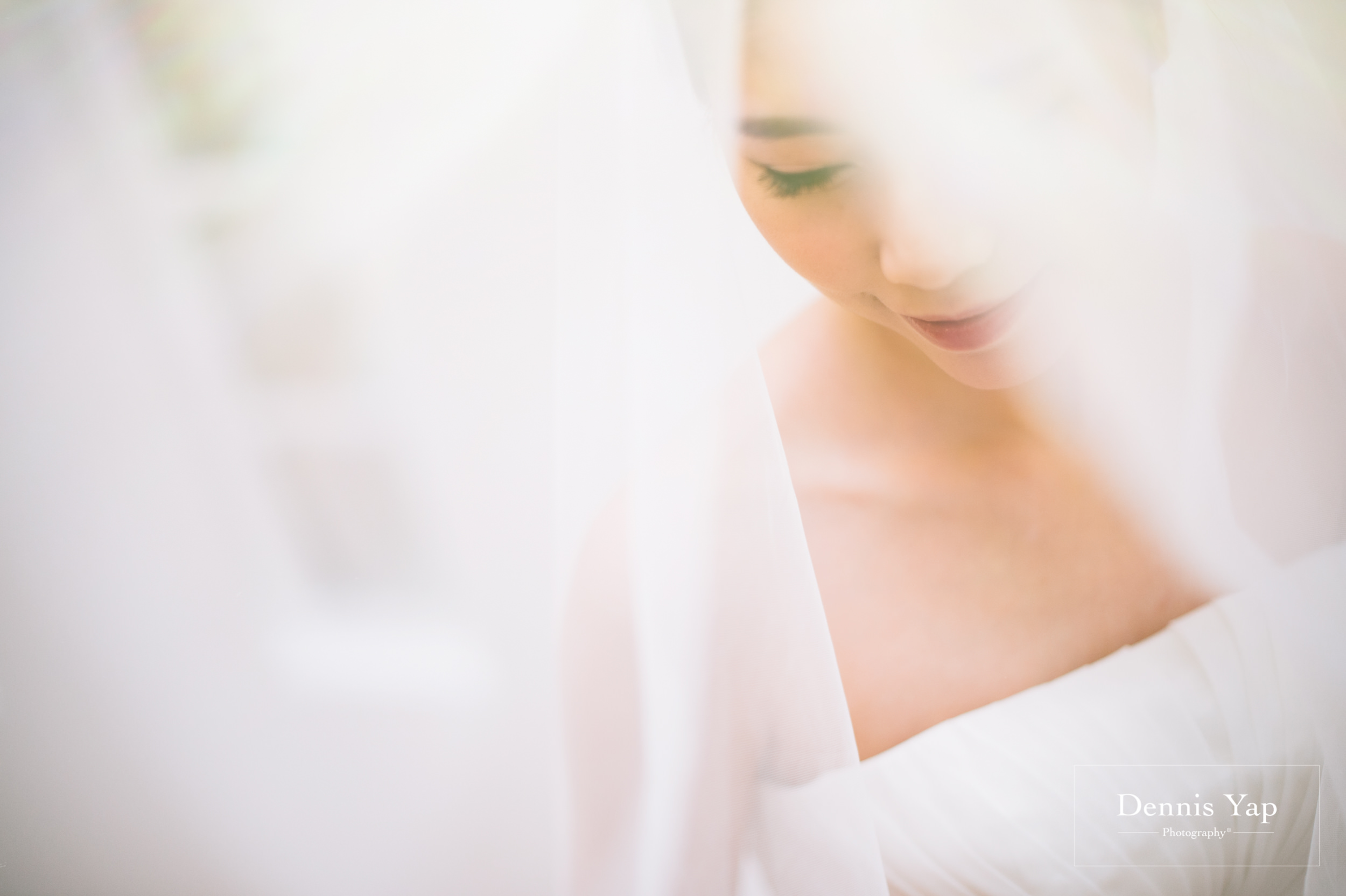 ivan constance wedding day renaissance hotel dennis yap photography-10.jpg