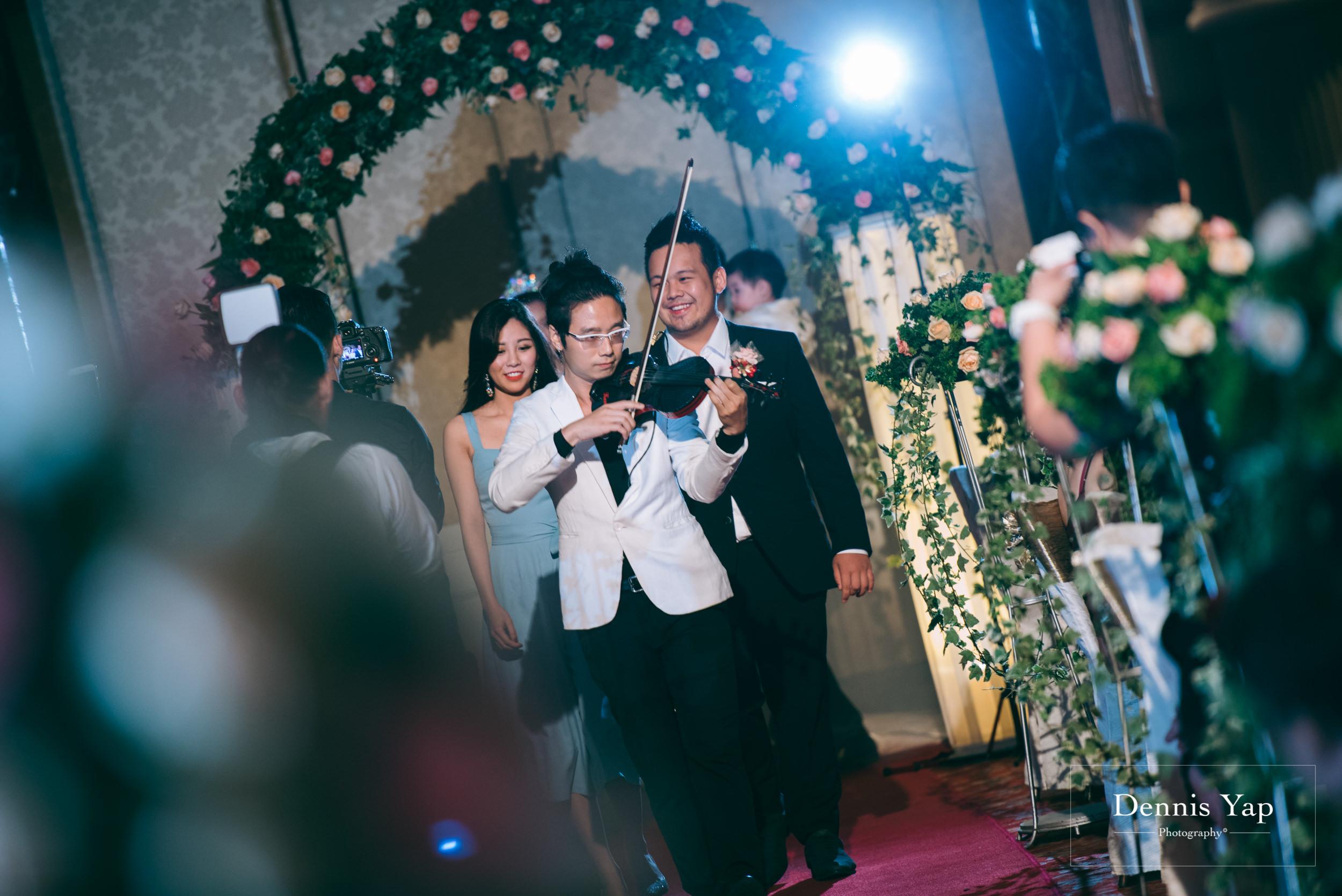 ivan constance wedding day renaissance hotel dennis yap photography-35.jpg