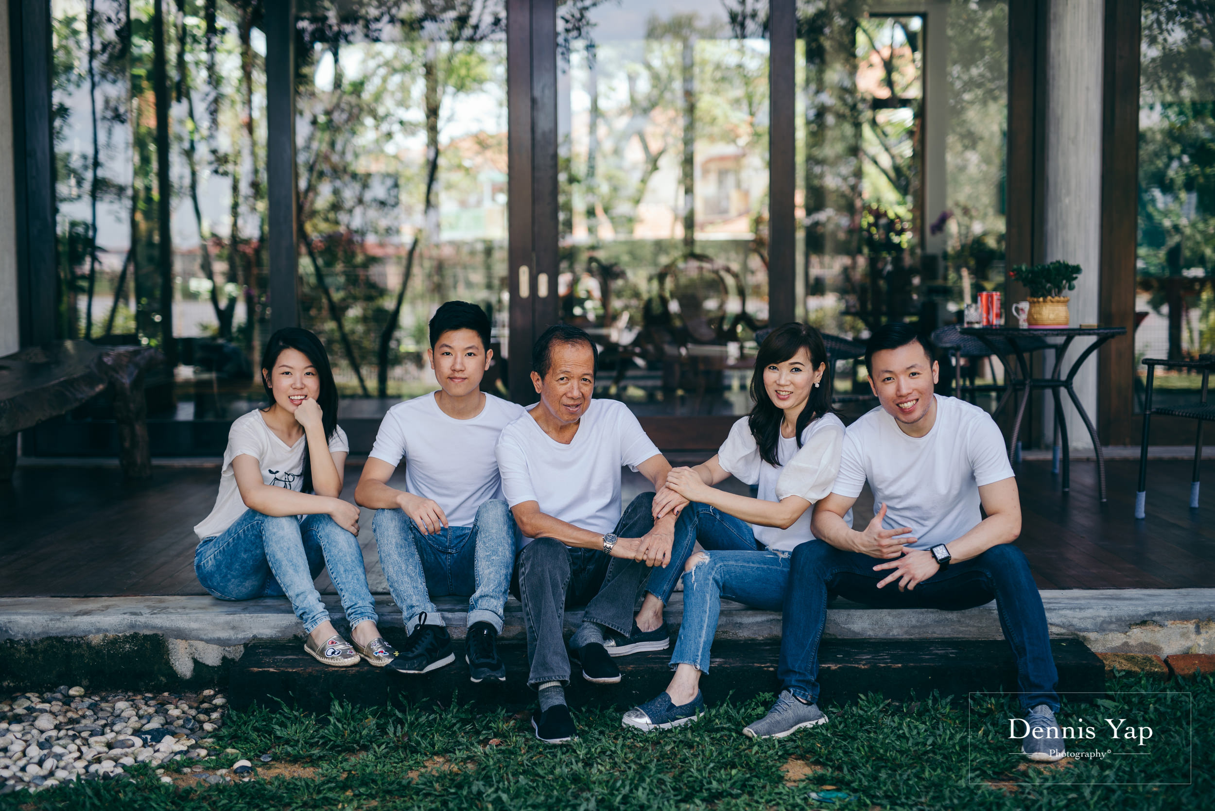 joanna family portrait luxury casual candid family portrait dennis yap photography-9.jpg