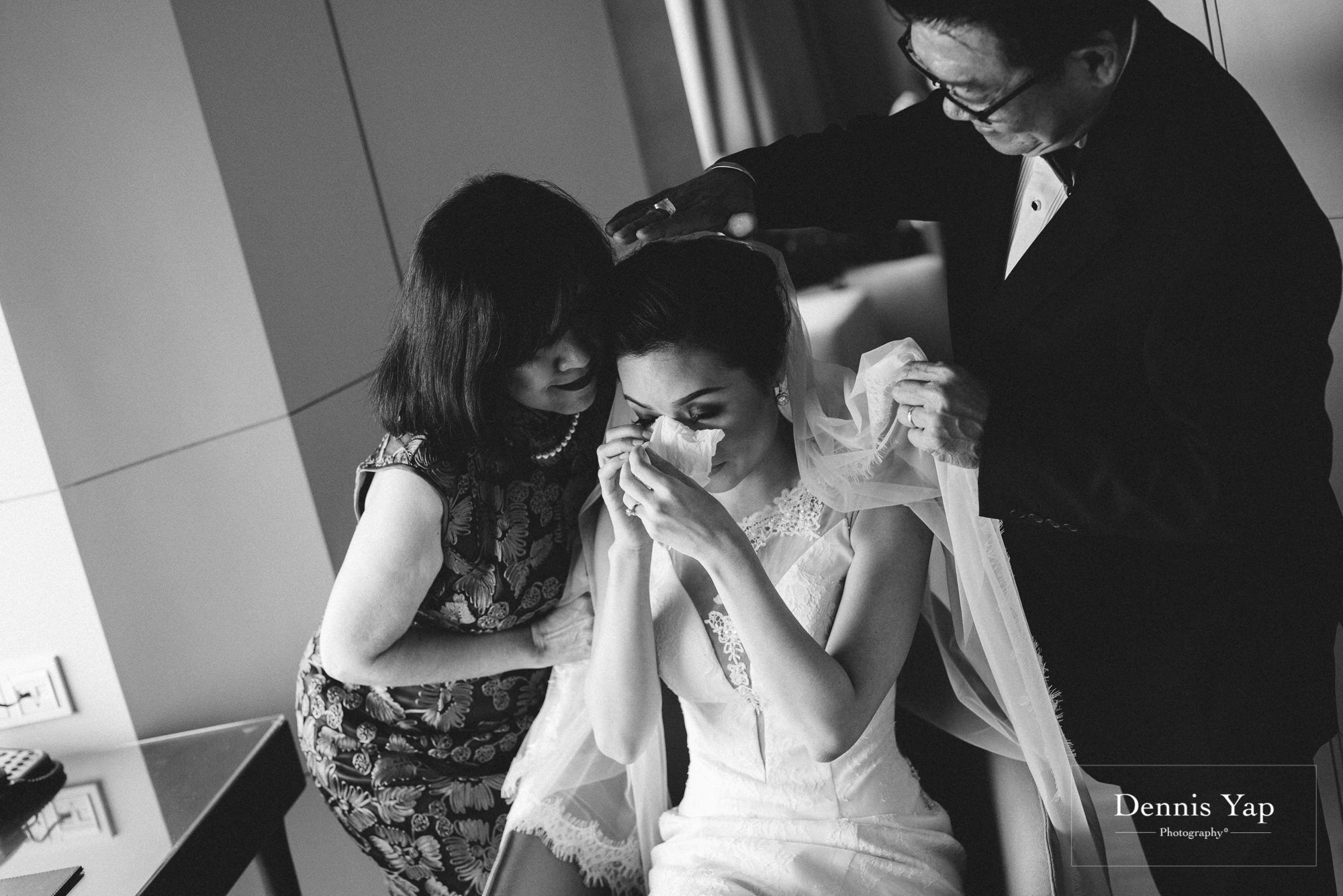 kevan khing wei wedding day hilton kuala lumpur vow exchange ceremony dennis yap photography malaysia top wedding photographer-9.jpg