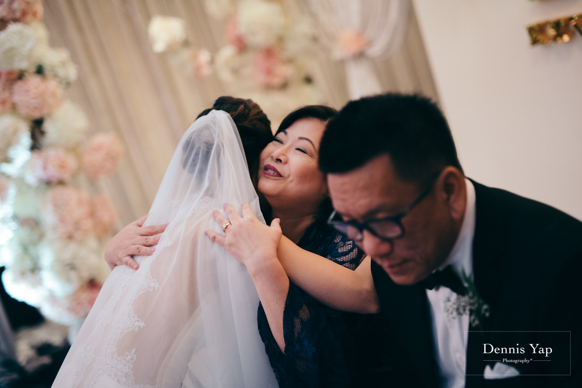kevan khing wei wedding day hilton kuala lumpur vow exchange ceremony dennis yap photography malaysia top wedding photographer-30.jpg