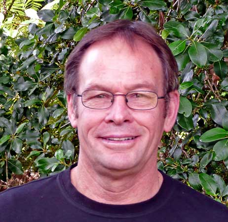 Dr Robert Pede    n, BA (Hons), MA (Dist), PhD