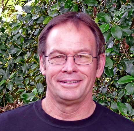 Dr Robert Pede    n, BA (Hons), MA(Dist), PhD