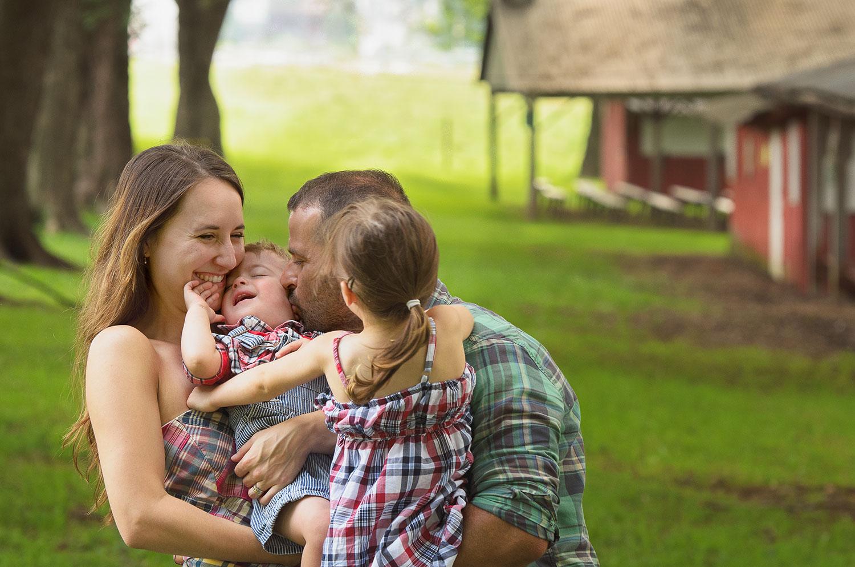 Family_kiss.jpg