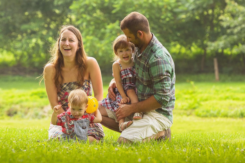 Family_laugh.jpg