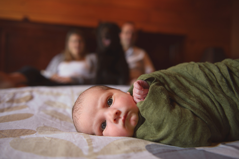 Newborn-Photo-Family-Bed.jpg