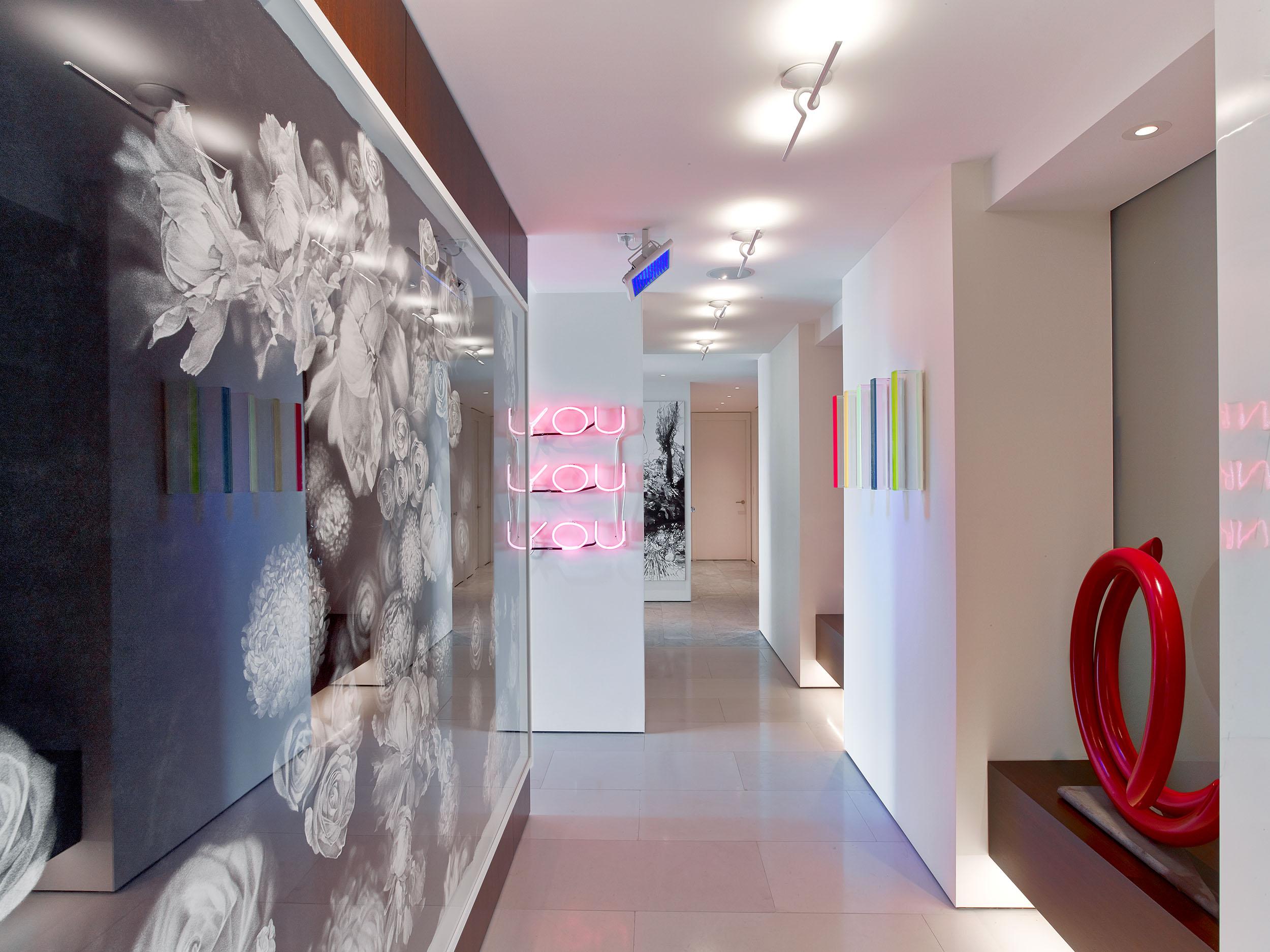 Architecture & Interior Design: Hariri & Hariri  Photography - Eric Laignel & Courtesy of - Hariri & Hariri Architecture