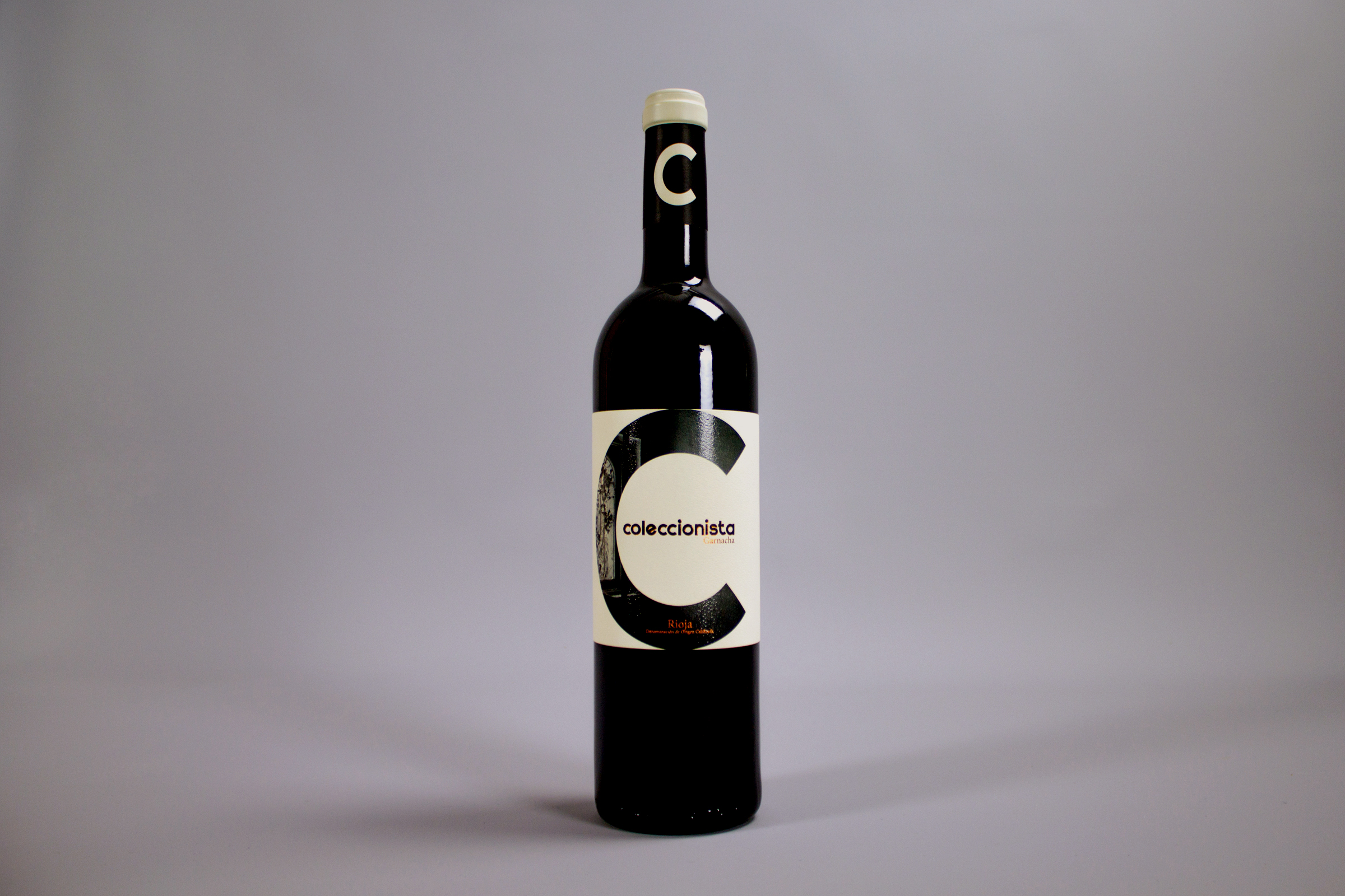 Rioja Wine Brand Creation and Packaging Design aimed at Respecting Wine Lovers / World Brand & Packaging Design Society