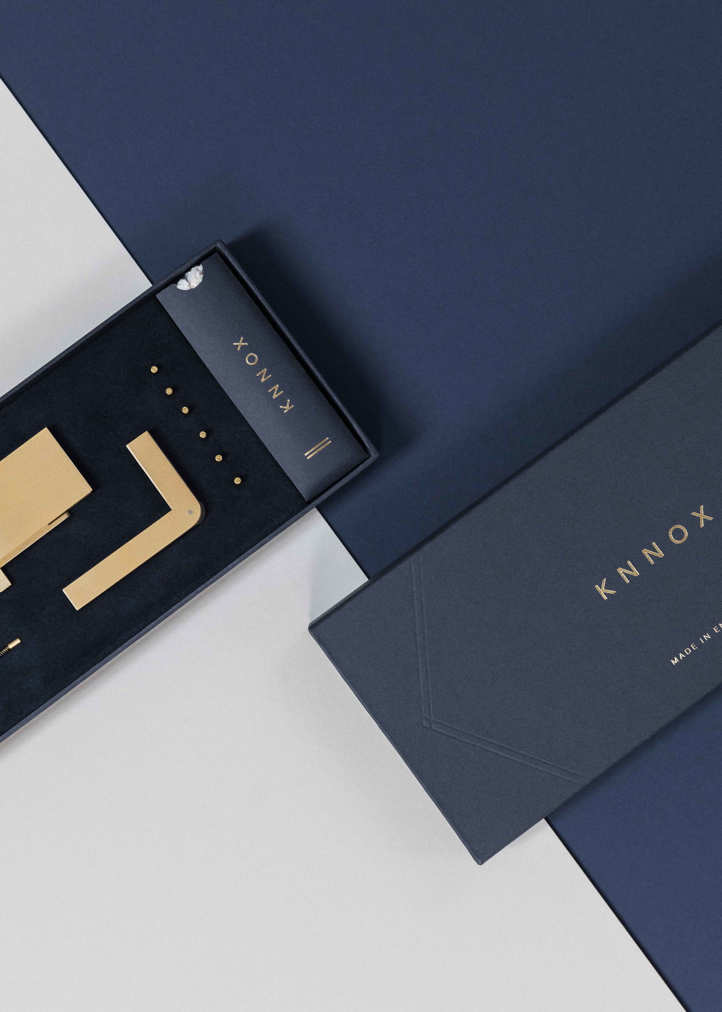 Minimal and Luxurious Packaging Design for the KNNOX Lighter / World Brand & Packaging Design Society