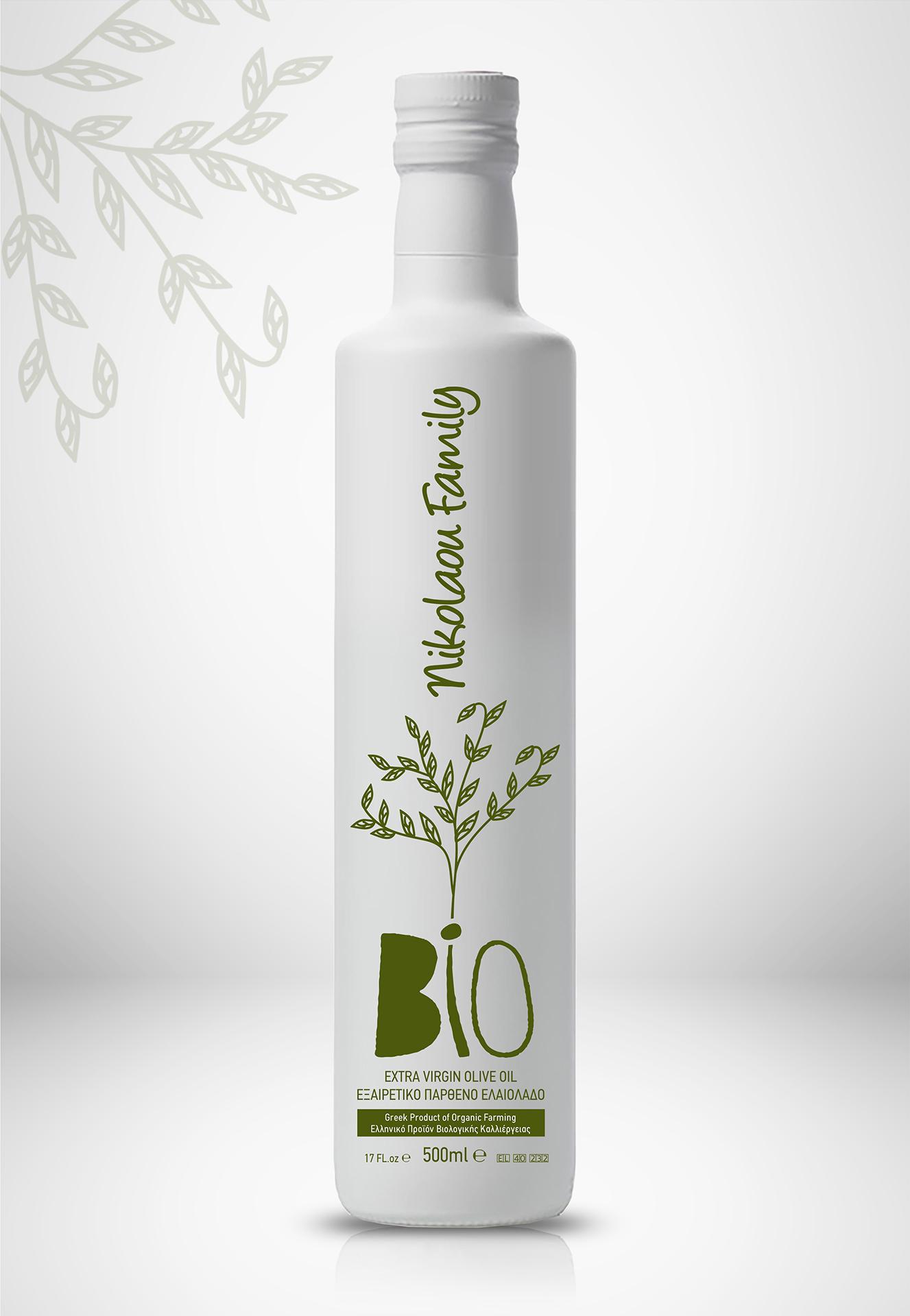 Bottle Design for Family Organic Olive Oil / World Brand & Packaging Design Society