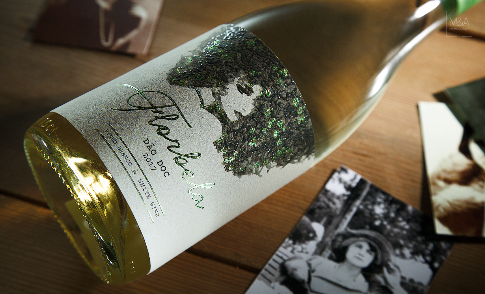 """Florbela"" A Wine Involved by the Female Sensuality / World Brand & Packaging Design Society"