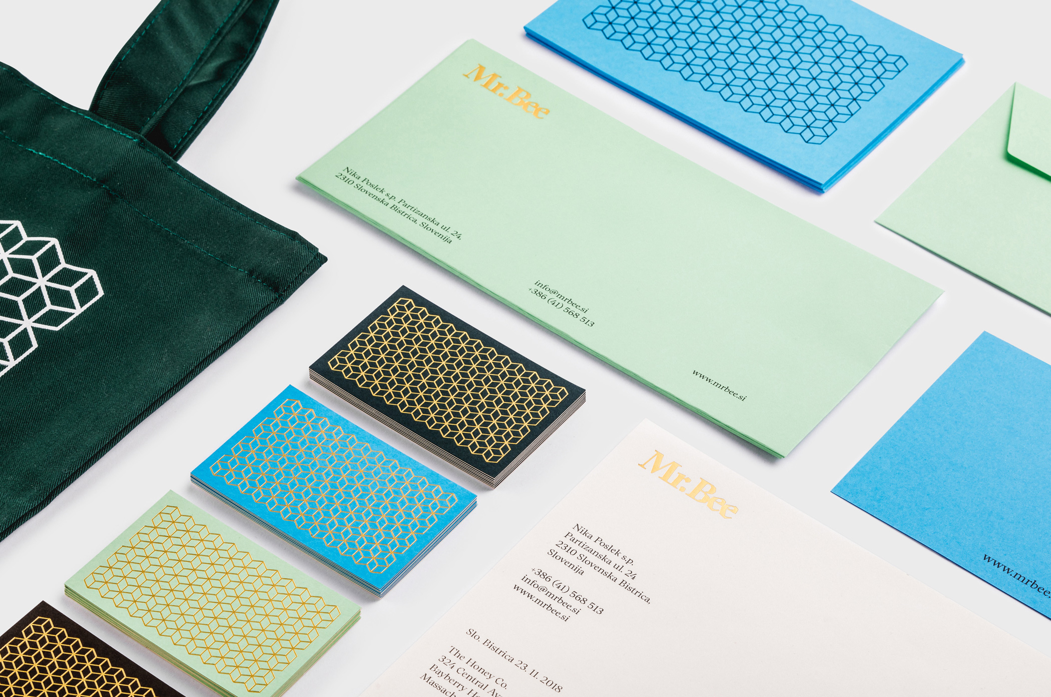 Visual Identity for Small Family Owned Honey Business / World Brand Design Society