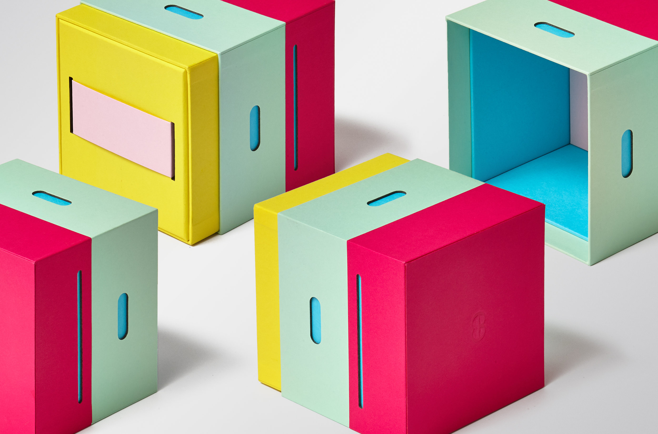 Think Packaging - Steens Honey Hives7.jpg