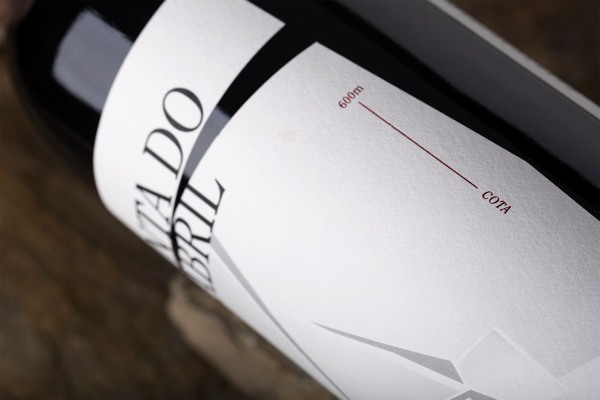 Moço Wine Branding - Quinta do Cabril WIne Label3.jpg