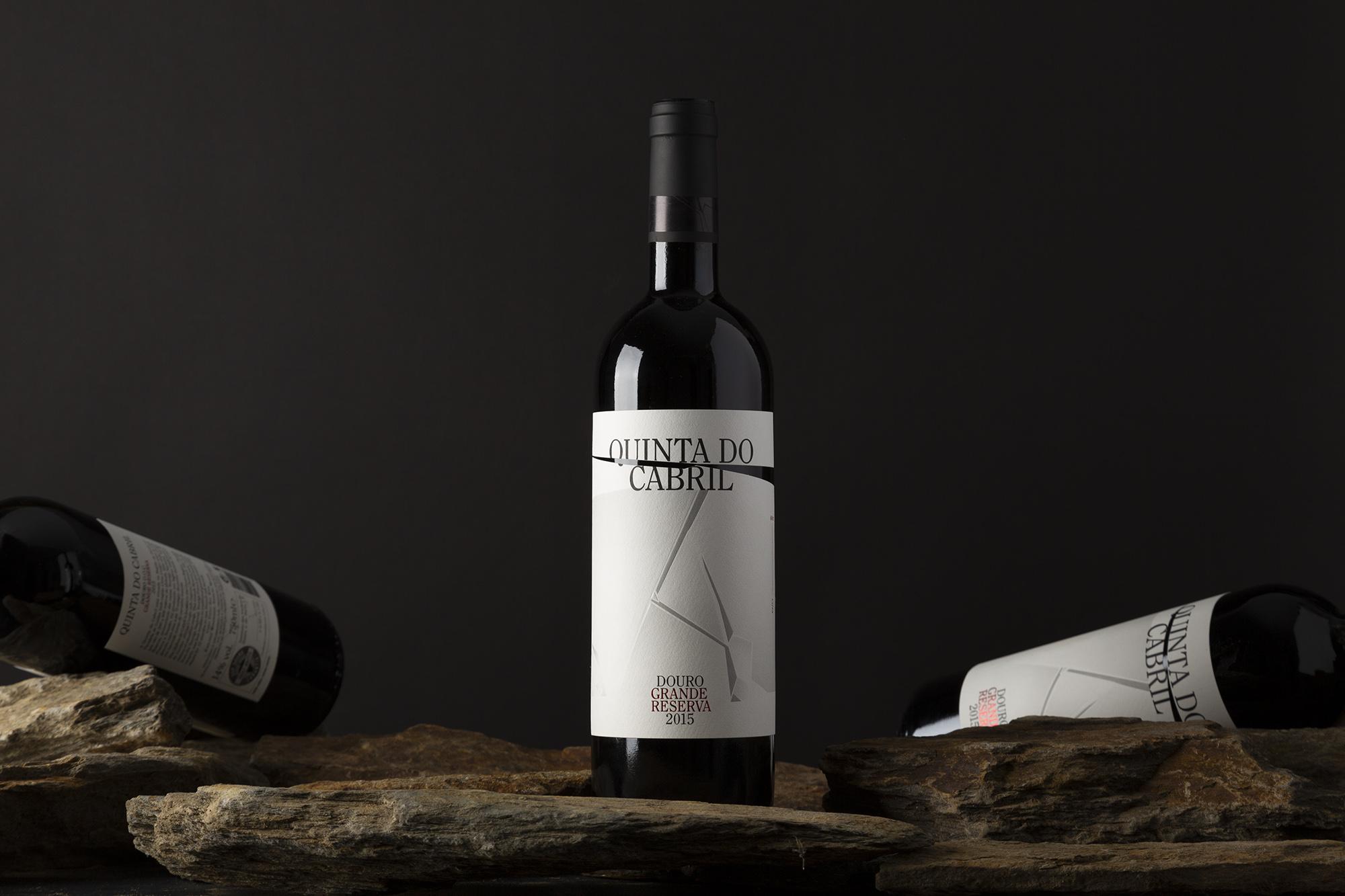 Moço Wine Branding - Quinta do Cabril WIne Label9.jpg