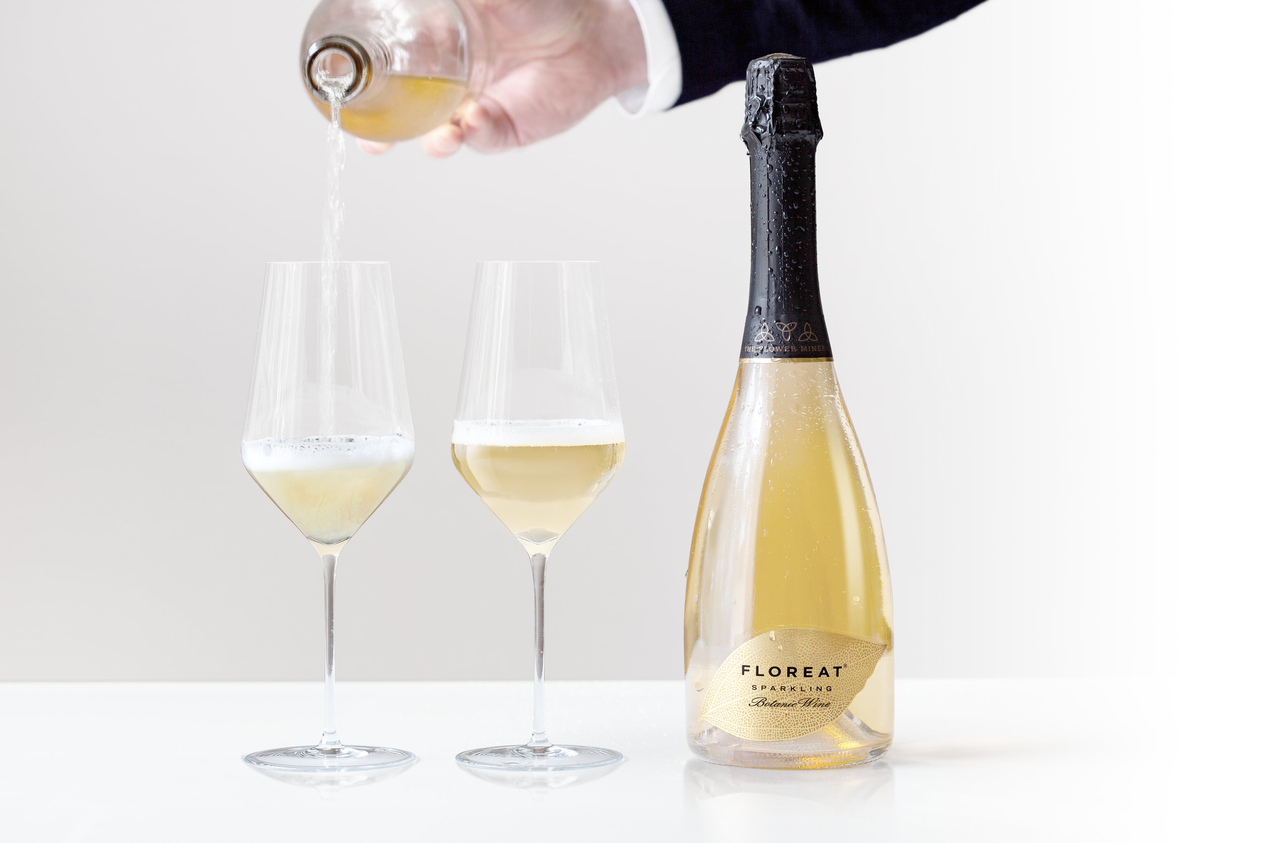 Floreat botanical sparkling wine