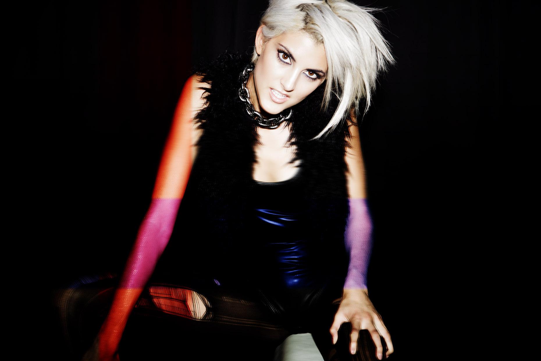 Gaga-217_1.jpg