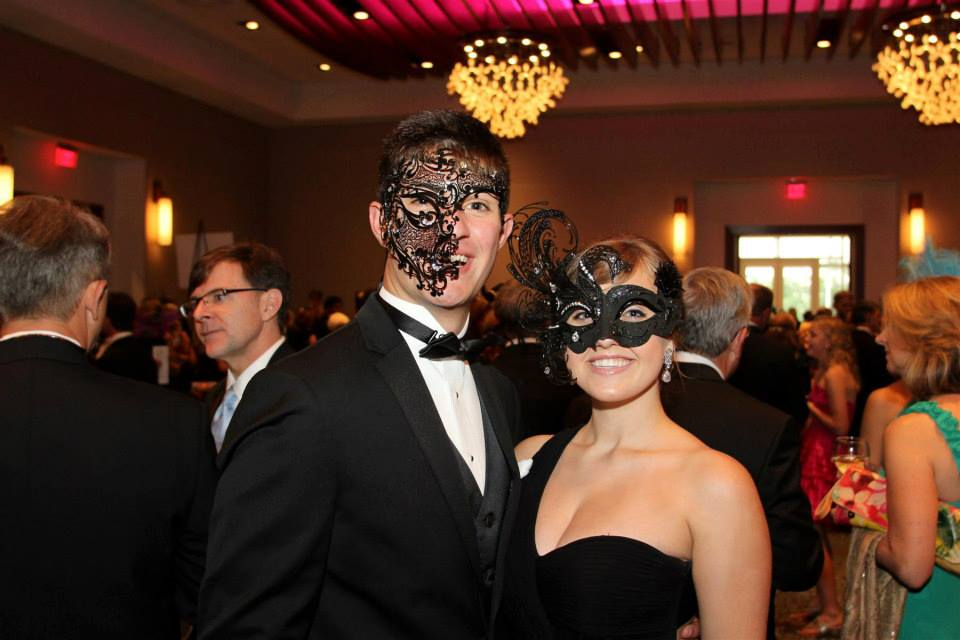 JDRF Unmask A Cure, A Venetian Masquerade Ball // Live Event Painting // Live Event Artist // Ben Keys of Wed on Canvas // Live Event Painter // Photo Courtesy of JDRF Hope Gala