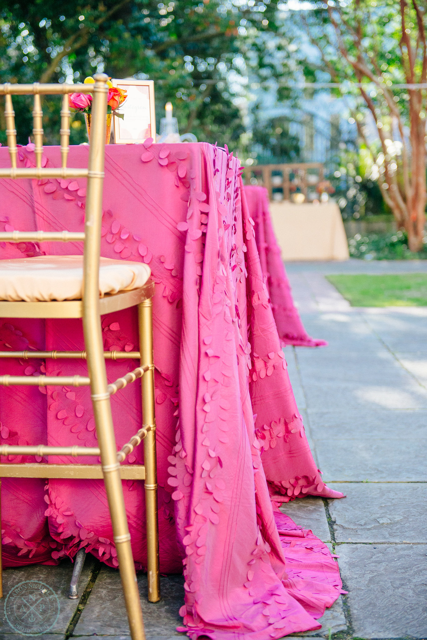 fucshia-hot-pink-table-linens-gold-accent-moroccan-wedding-reception-gibbes-museum-of-art