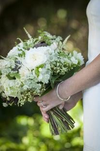 bridal-bouquet-coastal-wedding-figure-8-island-wilmington-wedding-painting