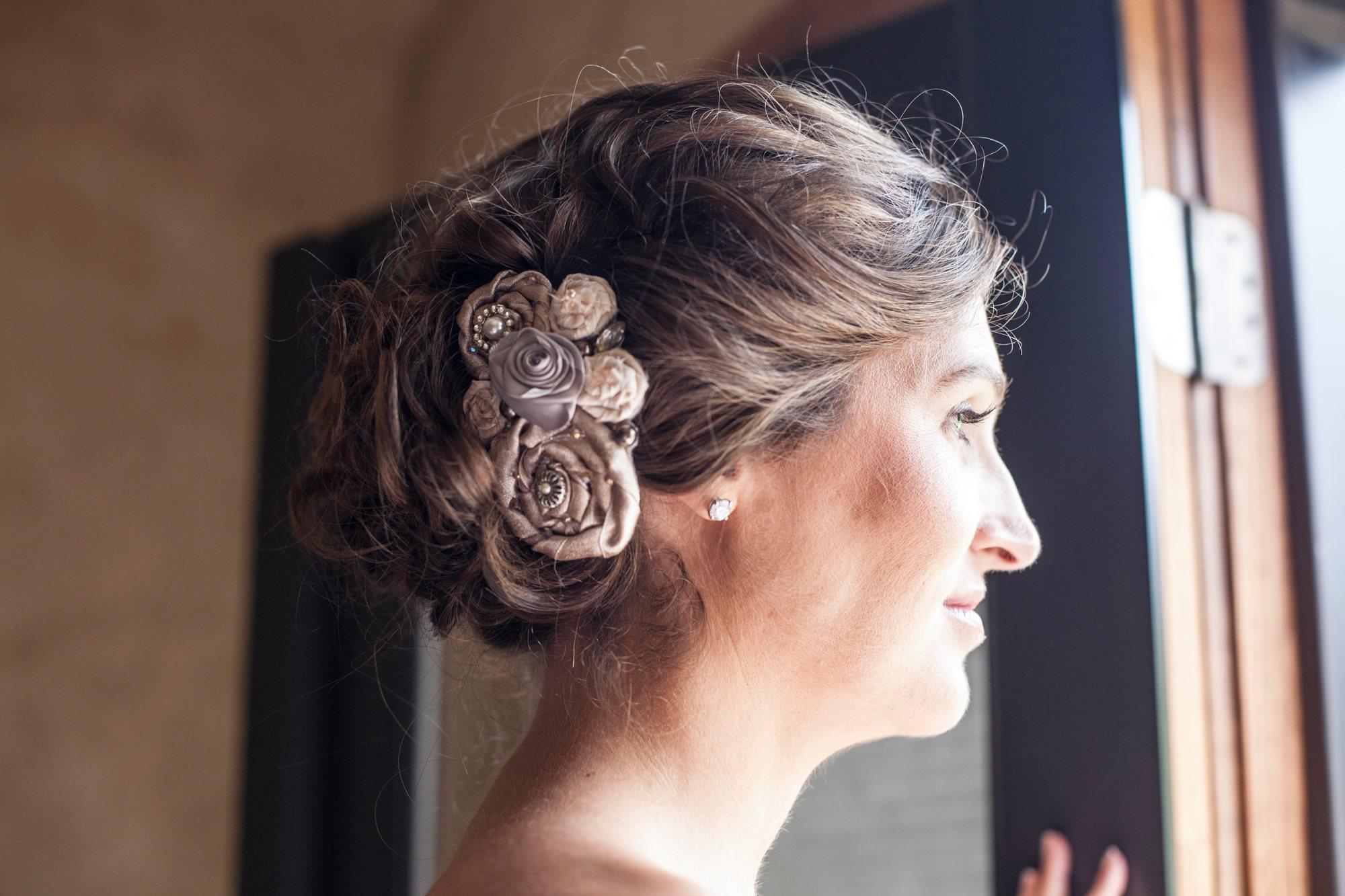 vintage-bridal-hair-accessory-rosettes-pin-tuck-curls-wedding-painter-ben-keys