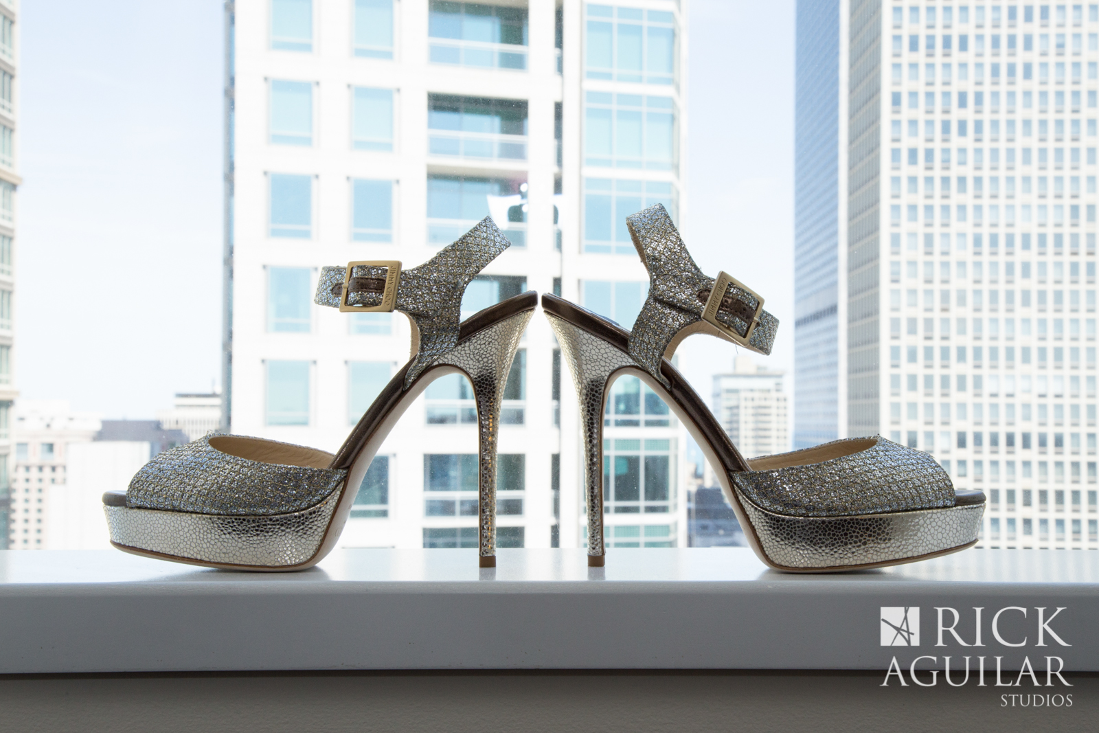 chicago-wedding-painter-ben-keys-wed-on-canvas-jimmy-choo-wedding-shoes-modern-wedding-glitter-heels