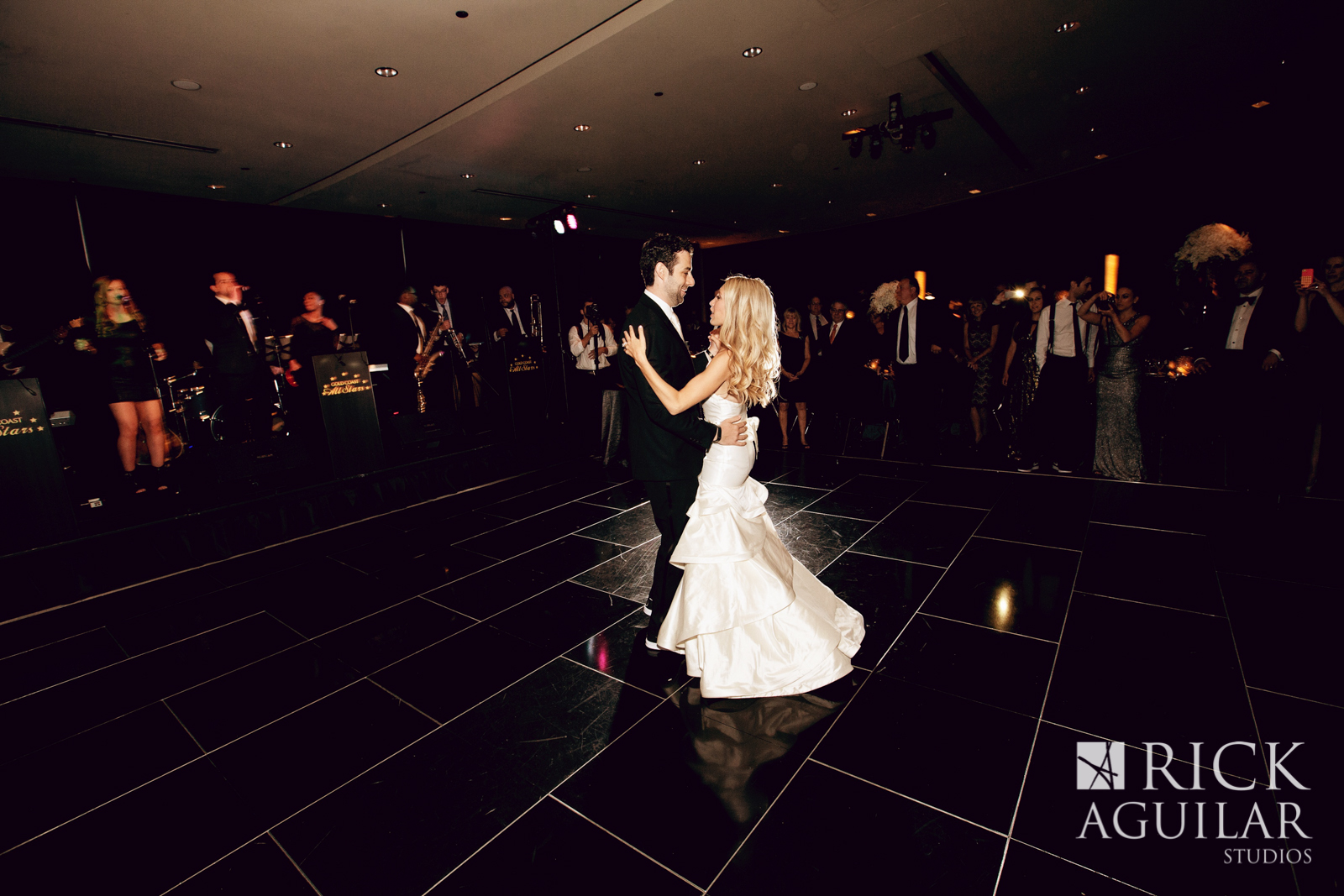 chicago-sofitel-hotel-first-dance-live-wedding-artist-ben-keys-of-wed-on-canvas