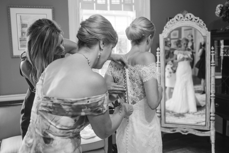 modern-trousseau-erin-gown-wed-on-canvas-ben-keys-live-wedding-painter-painting-live-charleston-wedding-lela-rose-mother-of-the-bride-gown
