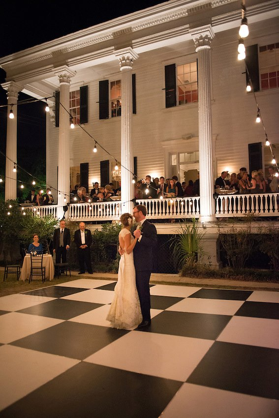 first-dance-charleston-wedding-painter-ben-keys-wickliffe-house-wedding-artist-wed-on-canvas