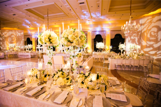 luxury-tablescapes-sara-renee-events-the-breakers-palm-beach-wedding-painter-ben-keys-live-wedding-artist-donna-newman-photography