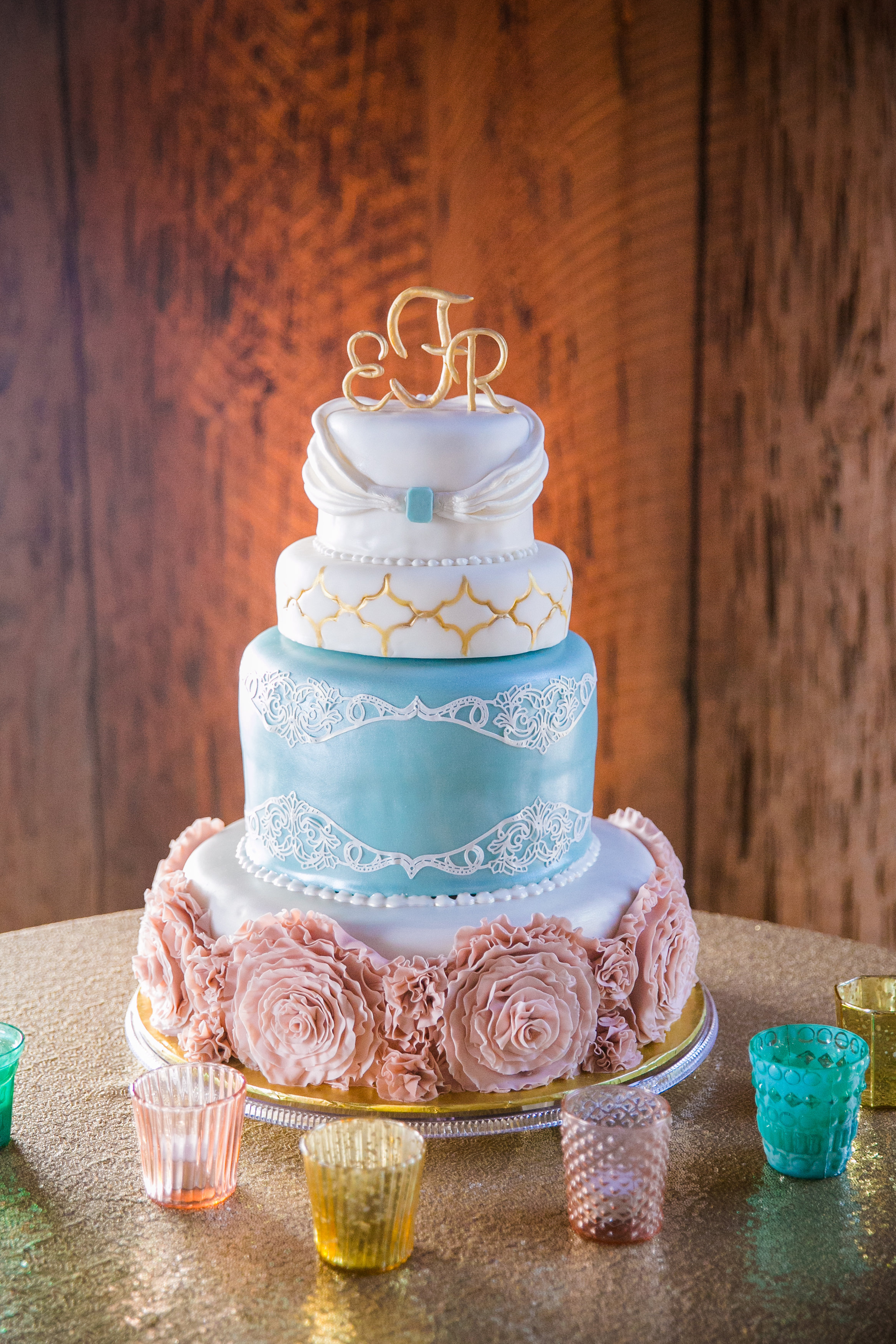 Boone-Hall-plantation-charleston-blue-and-pink-wedding-cake