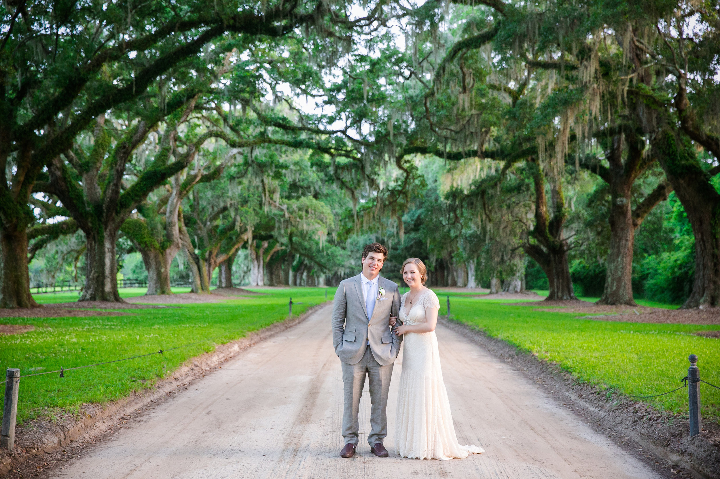 boone-hall-plantation-bridal-portrait-dana-cubbage-weddings