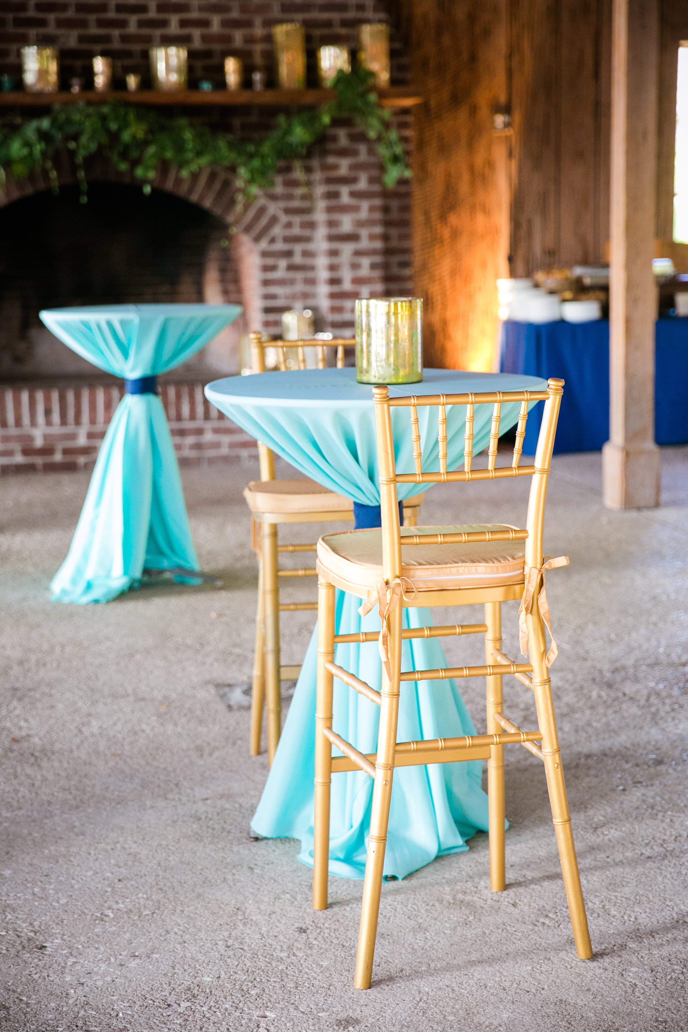 turquoise-and-gold-table-linens-boone-hall-plantation-wedding