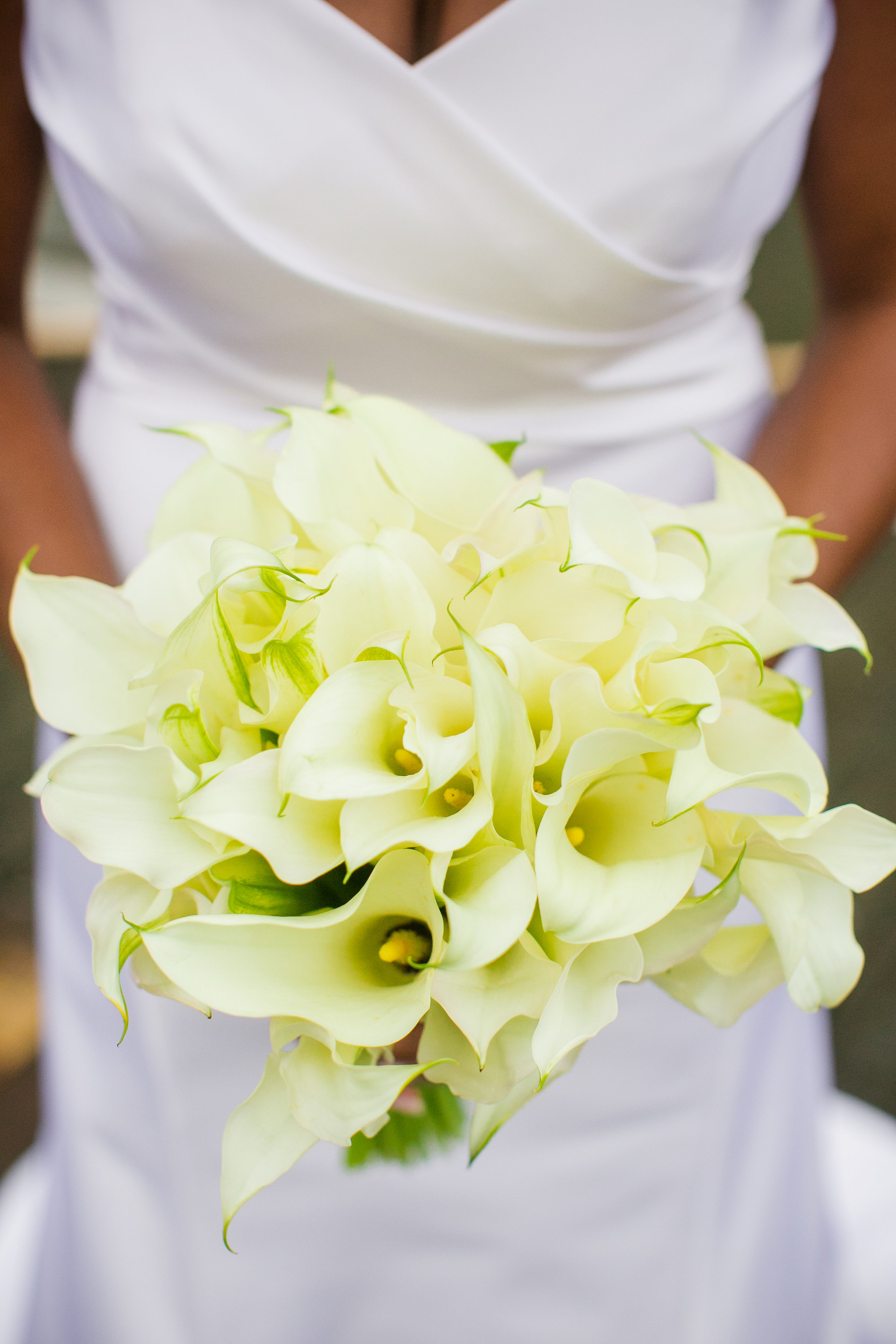 A-line-wedding-gown-with-white-calla-lillie-bouquet