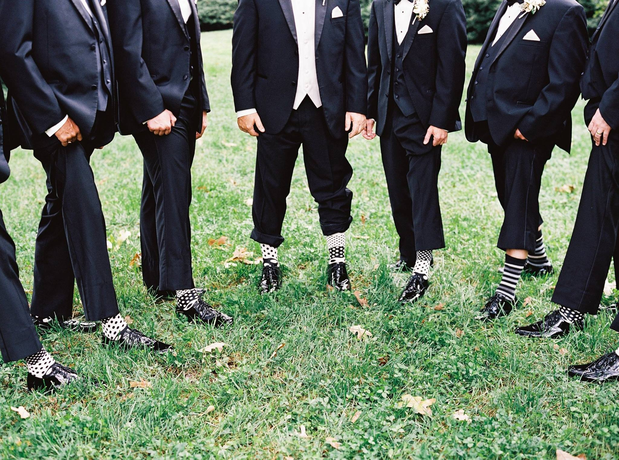 groomsmen-wearing-black-and-white-socks
