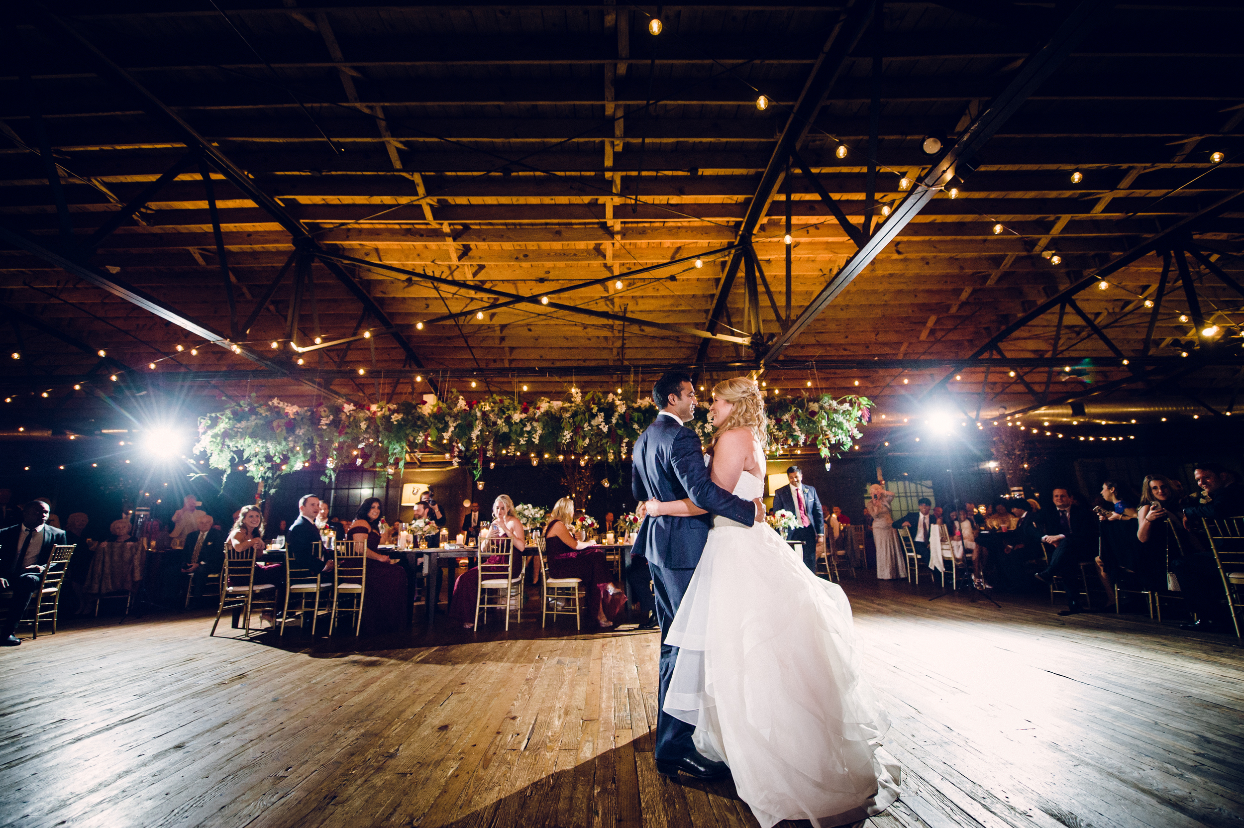 summerour-studio-atlanta-wedding-venue-first-dance