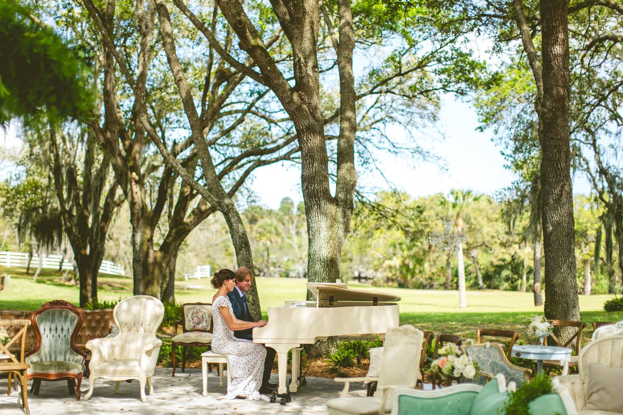 bride-and-groom-playing-piano-florida-wedding