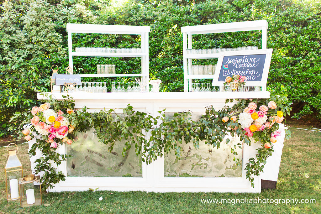 rustic-wedding-bar-with-florals-charleston-thomas-bennett-house