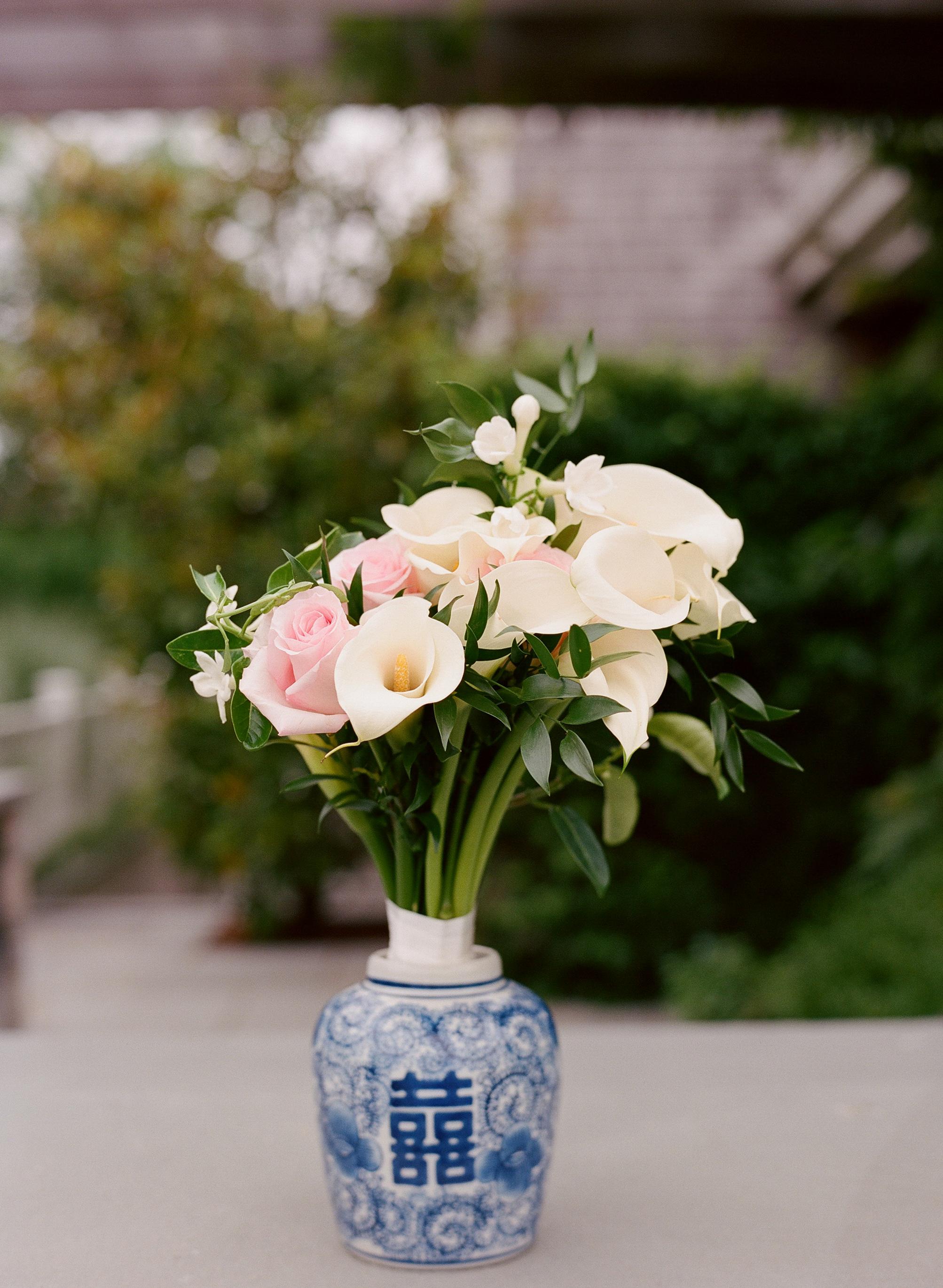 blue-and-white-chinoiserie-coastal-nautical-wedding-inspiration