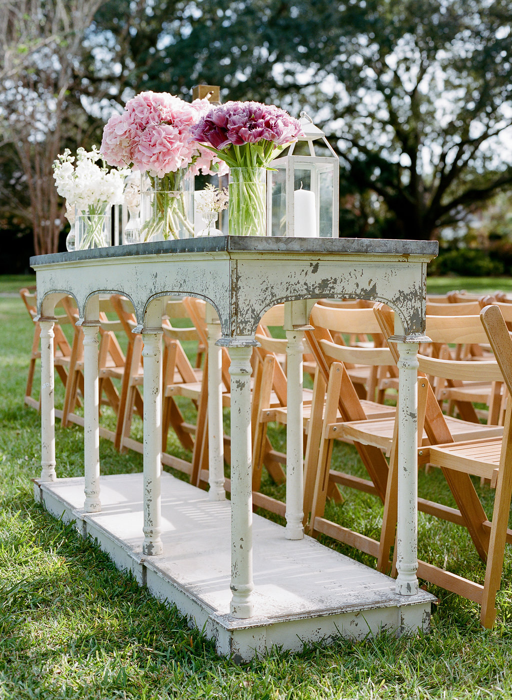 ceremony-tables-with-florals