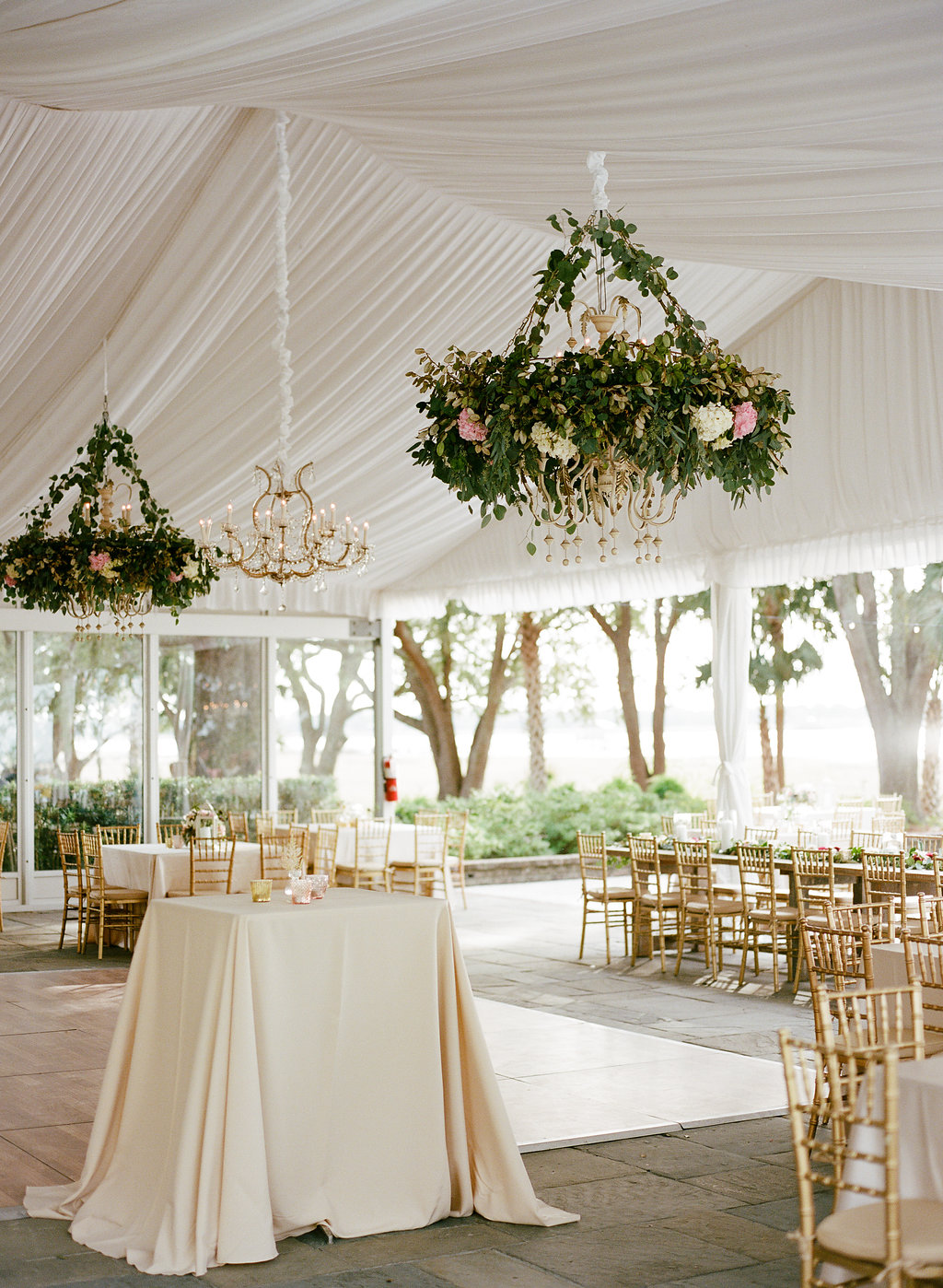 lowndes-grove-plantation-charleston-wedding-hanging-florals