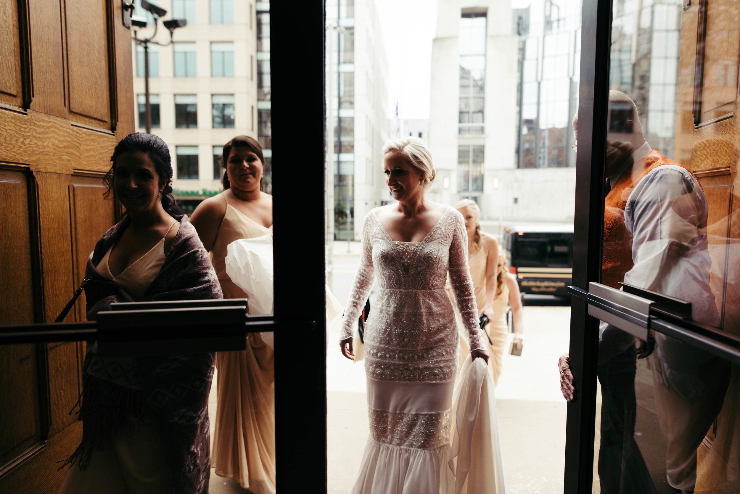 renaissance hotel wedding photos-8.jpg