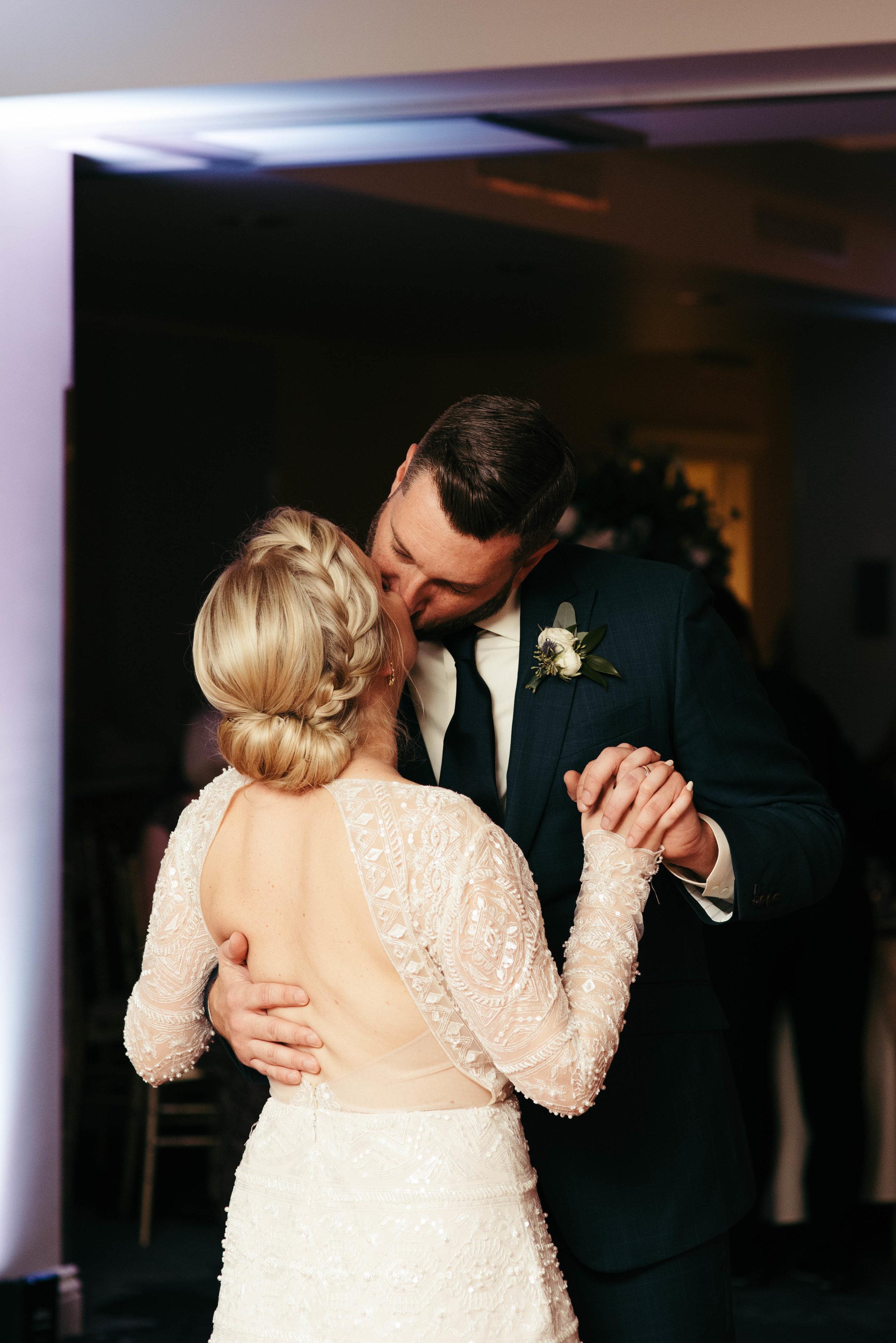 renaissance hotel wedding photos-52.jpg