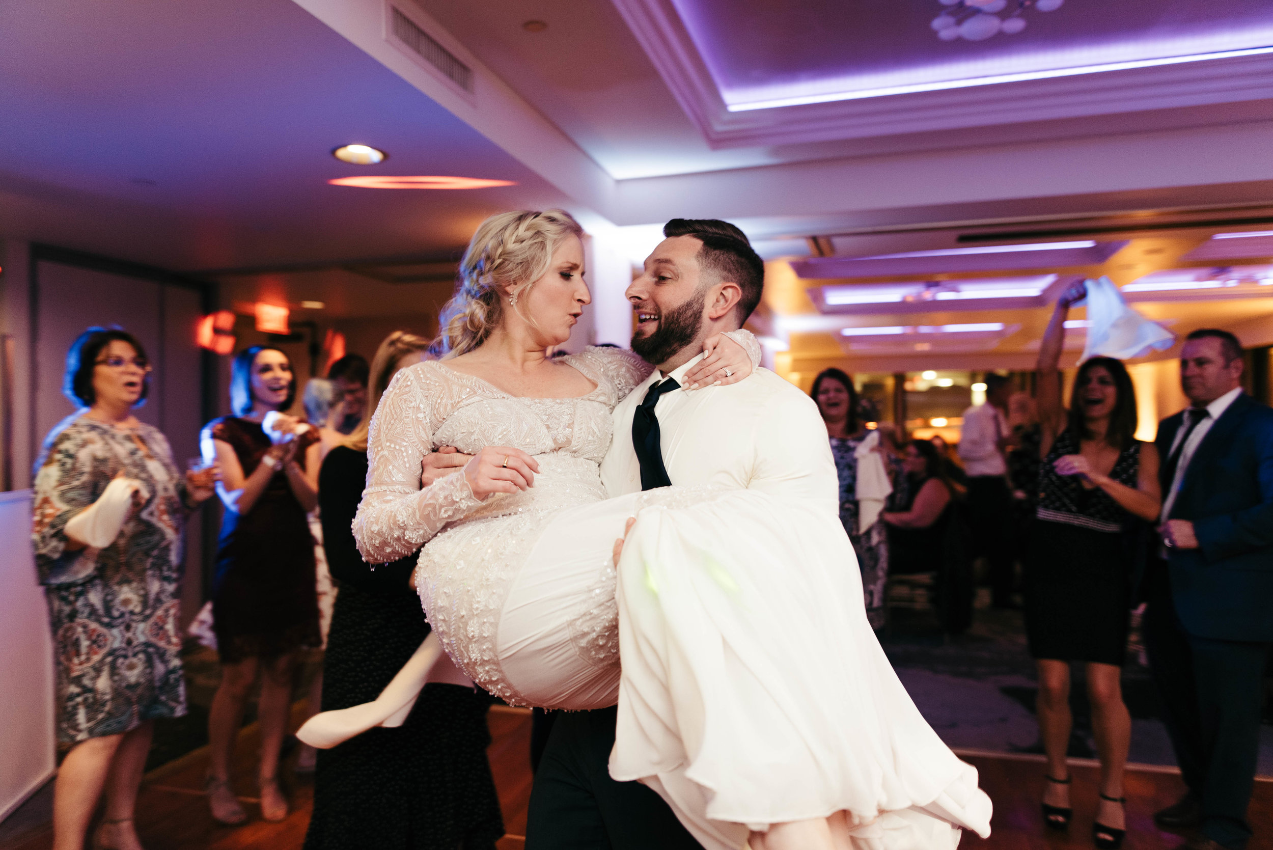 renaissance hotel wedding photos-58.jpg