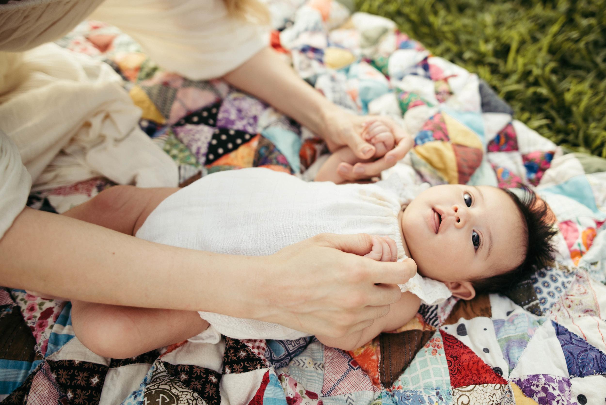 earthy newborn portraits-11.jpg