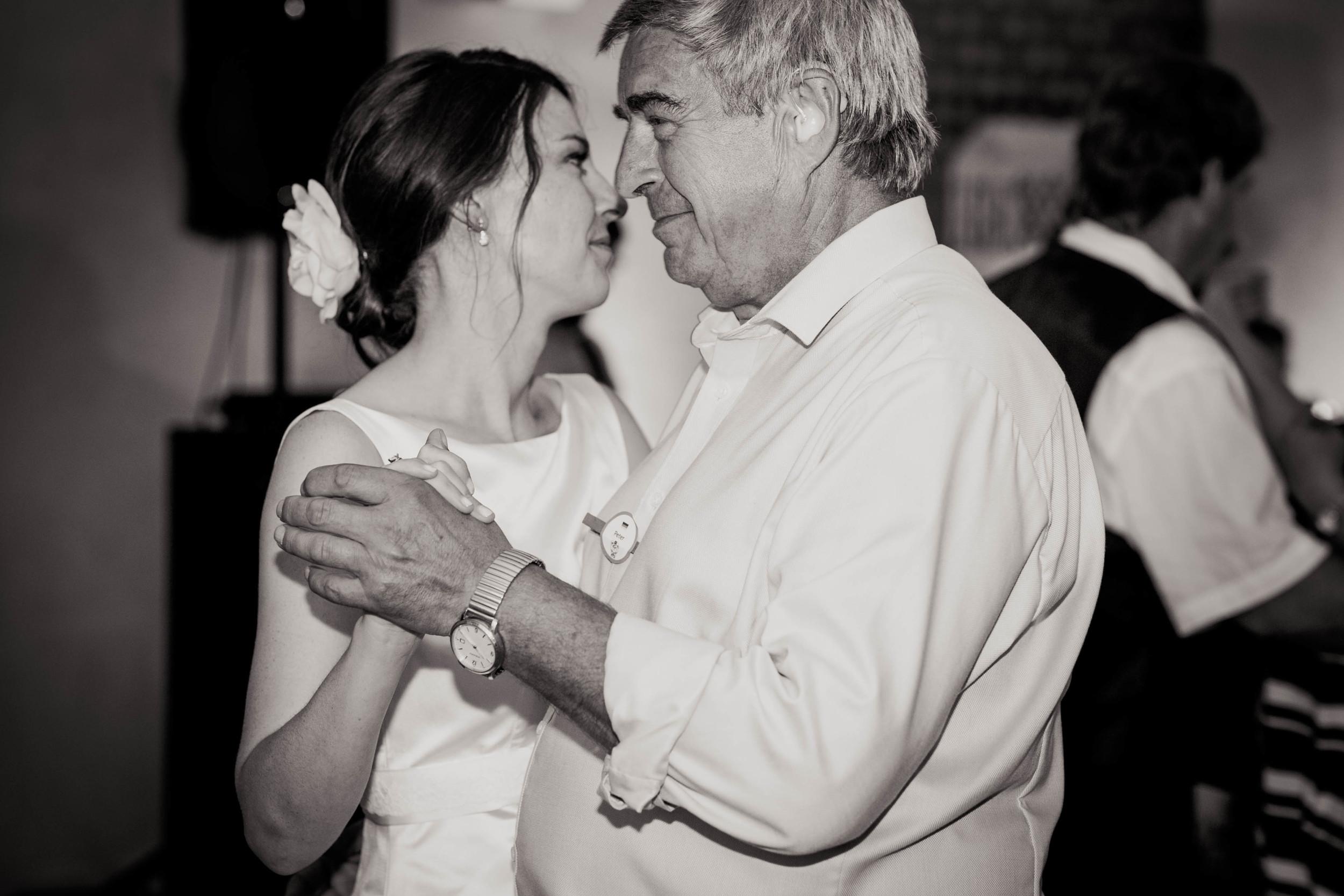 Hochzeit Schloß Blankensee Berlin_Fran Burrows-95.jpg