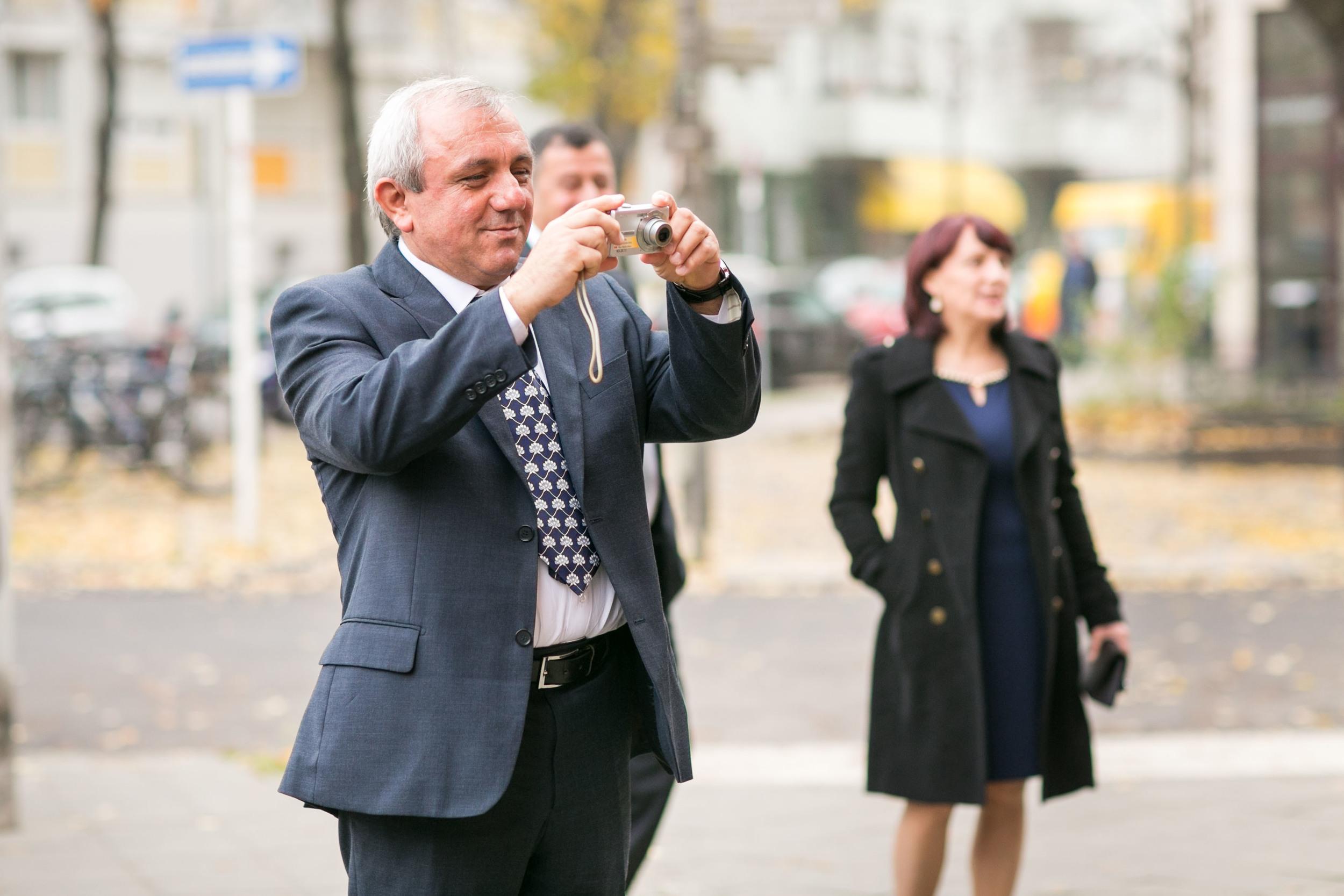 Fran Burrows Hochzeitsfotografie Berlin_Lichtenberg Standesamt-8.jpg