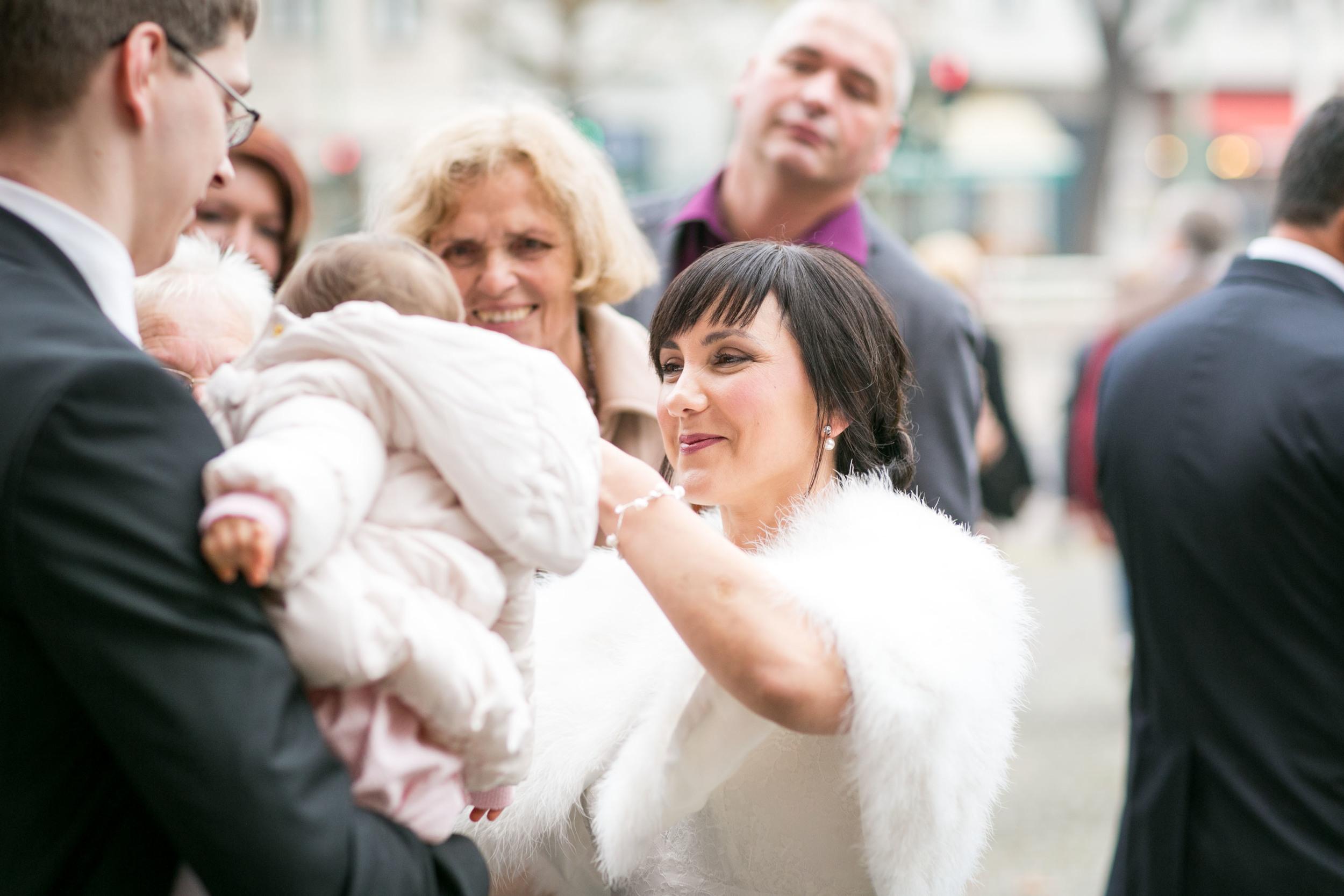 Fran Burrows Hochzeitsfotografie Berlin_Lichtenberg Standesamt-13.jpg